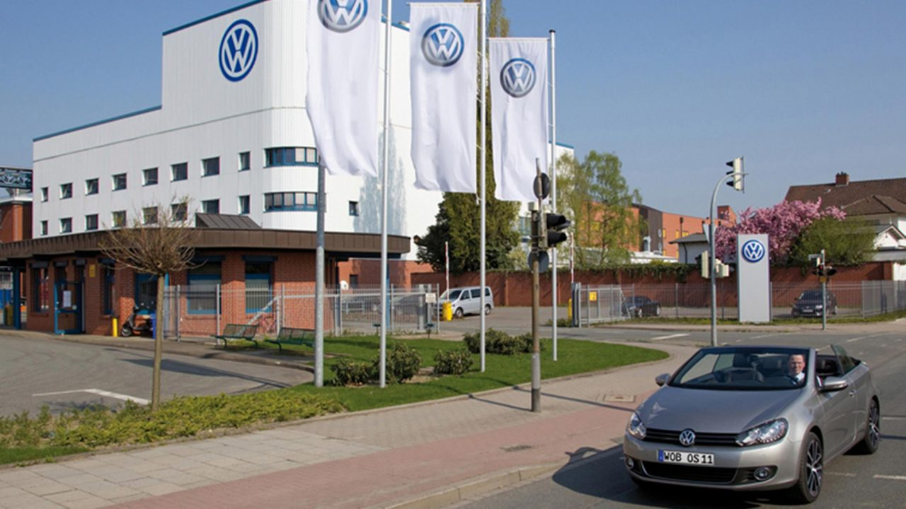 Apple se asociará con Volkswagen para fabricar vehículos autónomos