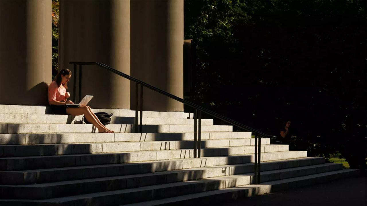 Seis escalones que las mujeres deben subir para llegar a consejos directivos
