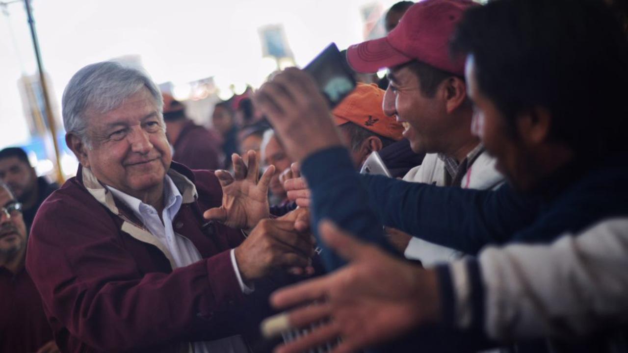 Dueños de Soriana e Interceramic truenan contra AMLO