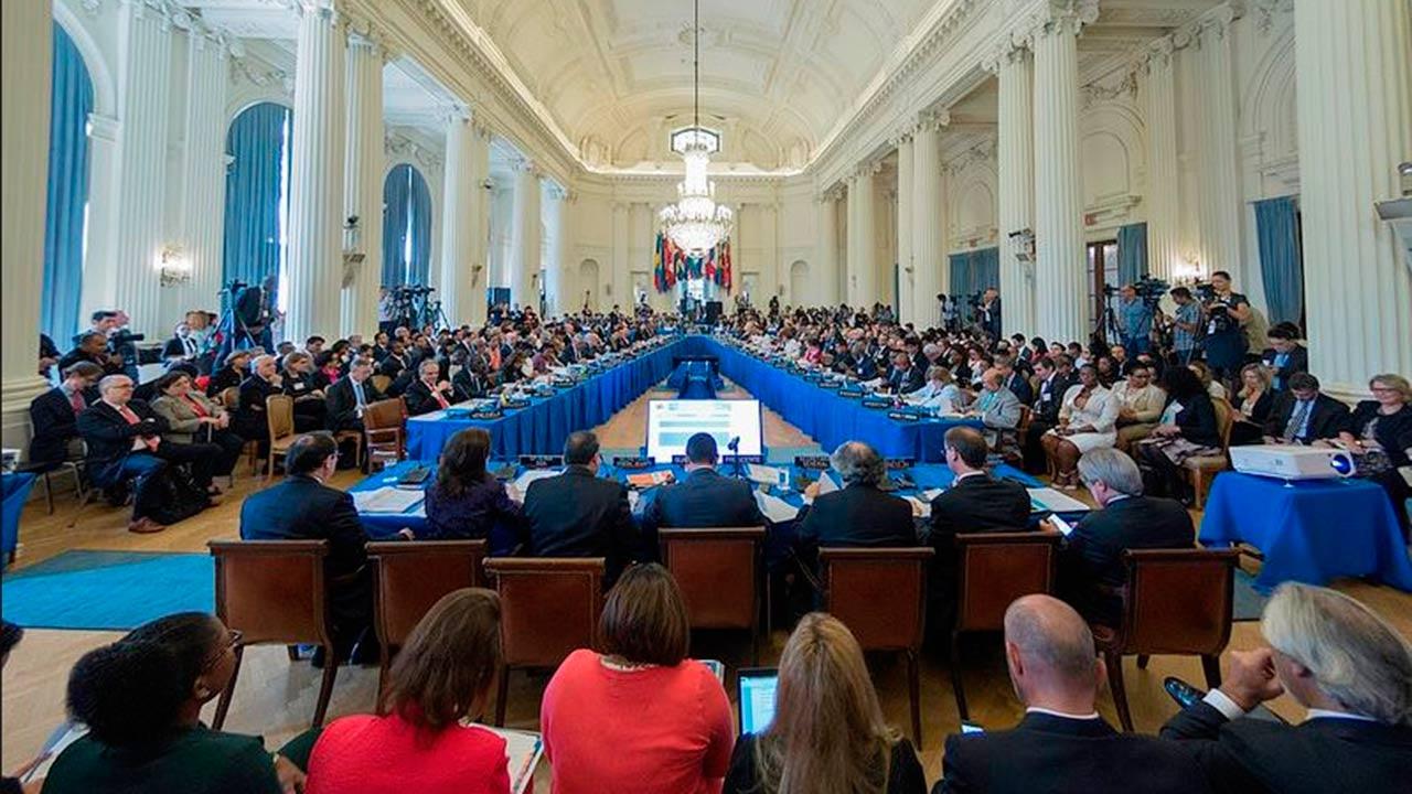 Profeco firma acuerdo con la OEA para proteger a los consumidores