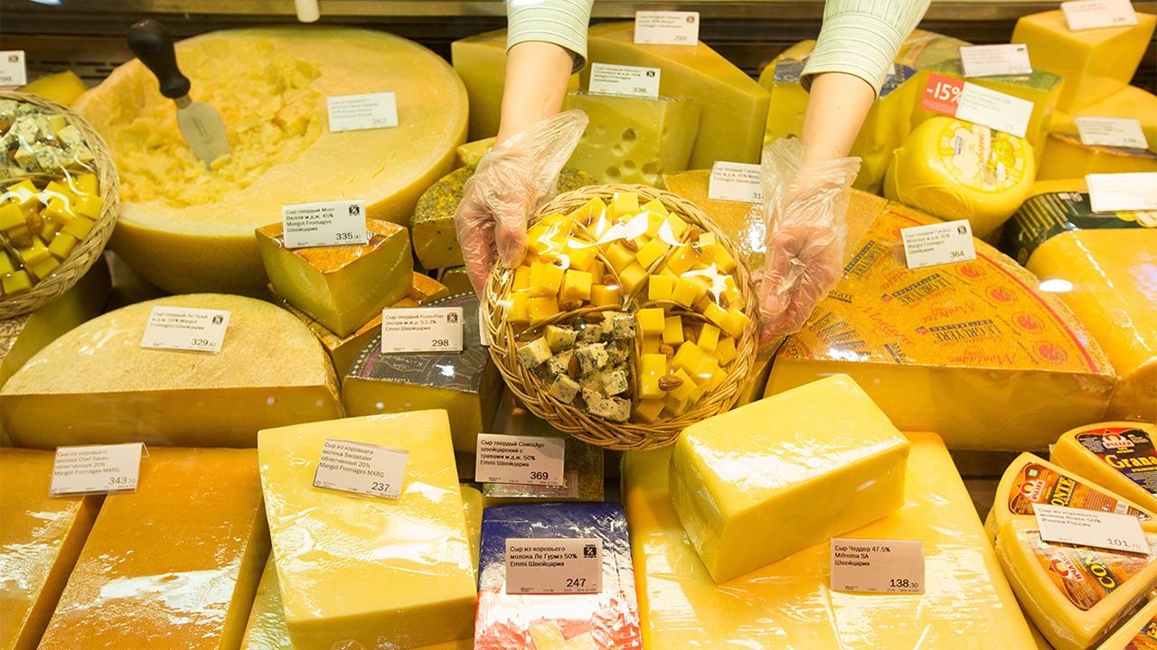 México o Europa, ¿quién ganó en la 'guerra del queso'?