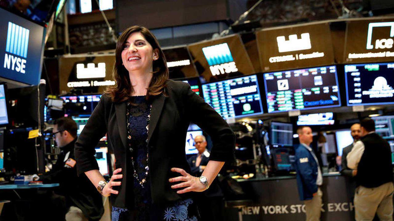 Conoce a Stacey Cunningham, la primera mujer presidente de la bolsa de NY
