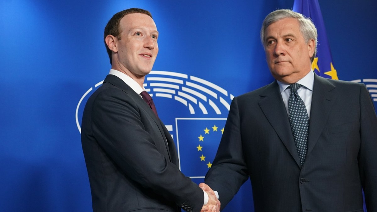Zuckerberg se disculpa con legisladores en Europa por filtración de datos