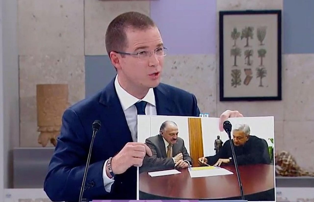 Riobóo reconoce que recibió adjudicación directa por segundos pisos
