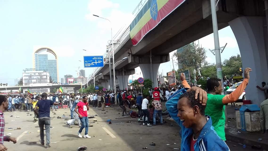 Un muerto y cientos de heridos en un ataque contra el primer Ministro de Etiopía