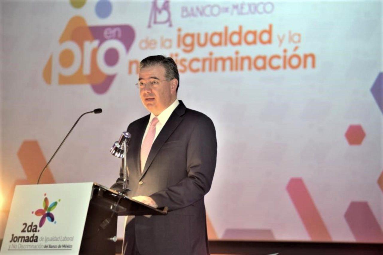 Banxico advierte riesgos para la economía por aranceles de EU