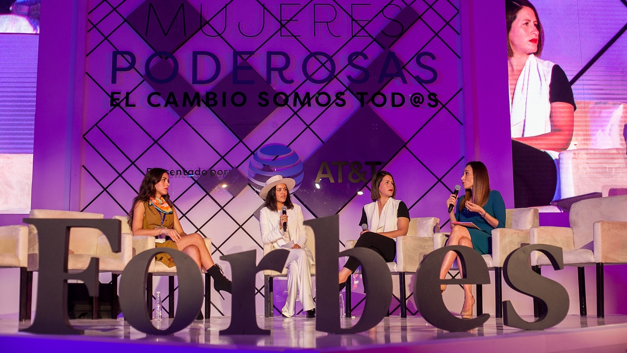 Piden a mujeres romper estereotipos y empoderar decisiones