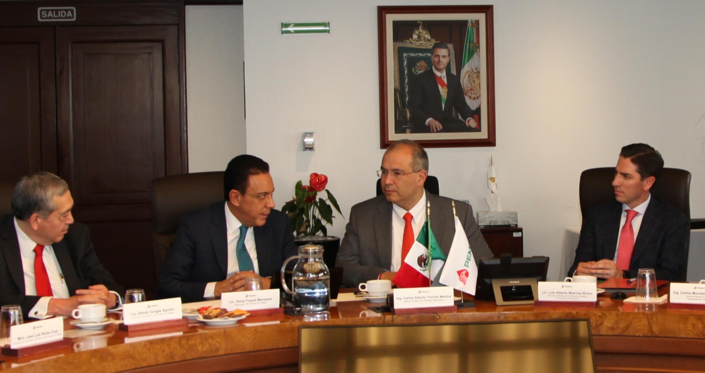 Pemex e Hidalgo discuten medidas contra ordeña de combustible