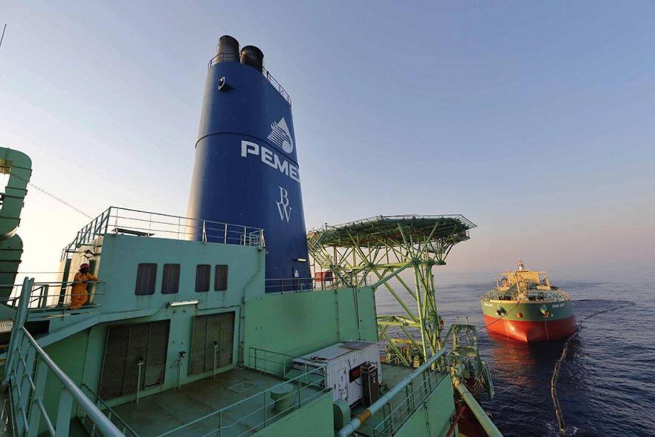 'No te subas al barco petrolero, se te romperán las uñas': mujeres hablan sobre machismo en sector energético