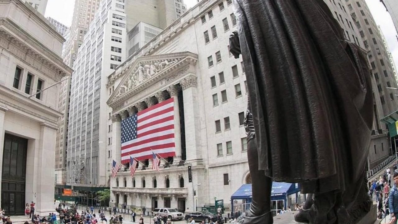 Wall Street inicia con ganancias por sólidos resultados corporativos