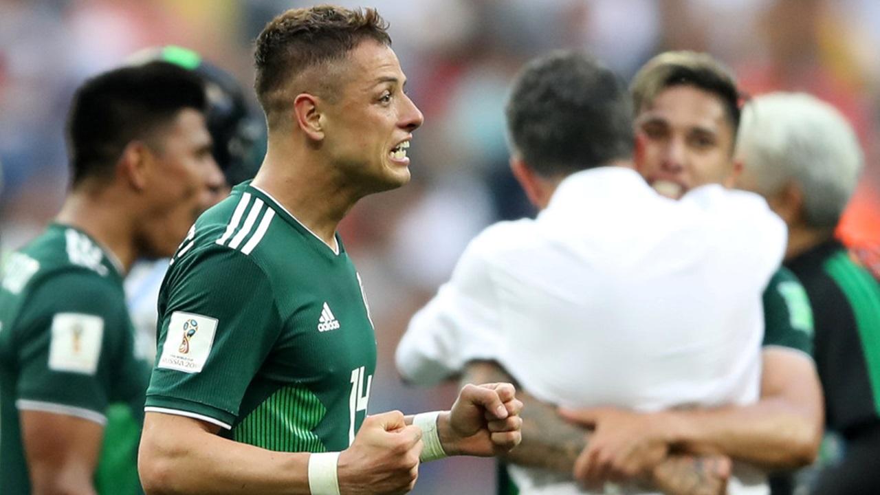 """""""Chicharito"""" Hernández llama a eliminar el grito homofóbico"""