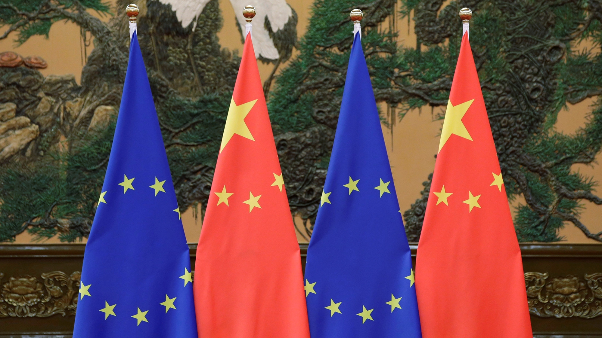 Unión Europea presiona a China en la defensa del libre comercio