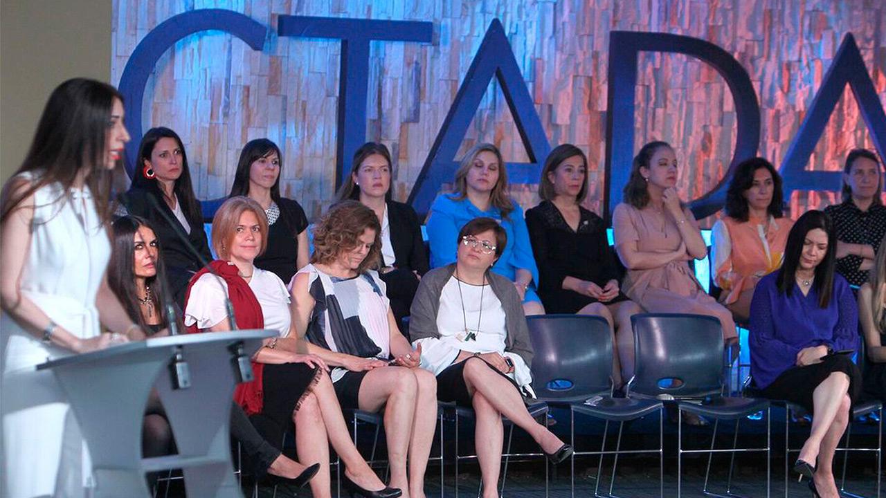 Conectadas MX pide a presidenciables compromisos con la igualdad de género