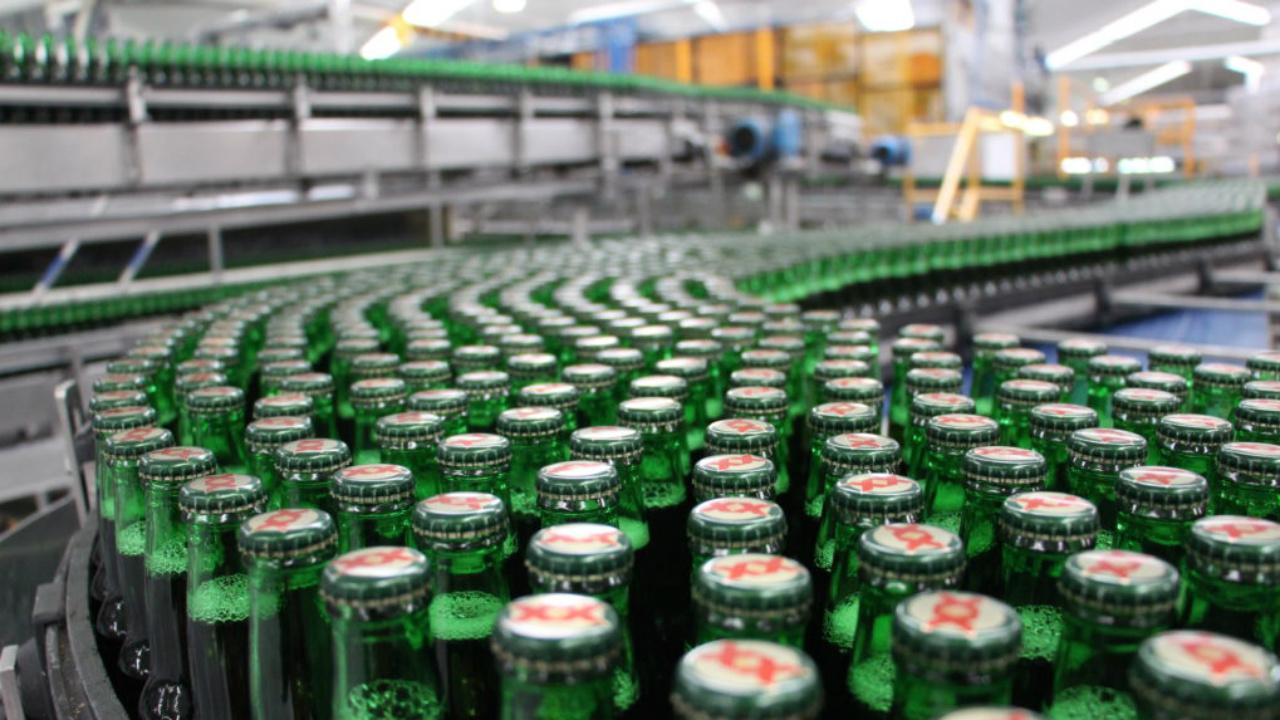 Heineken produce cerveza Dos Equis en Holanda temporalmente