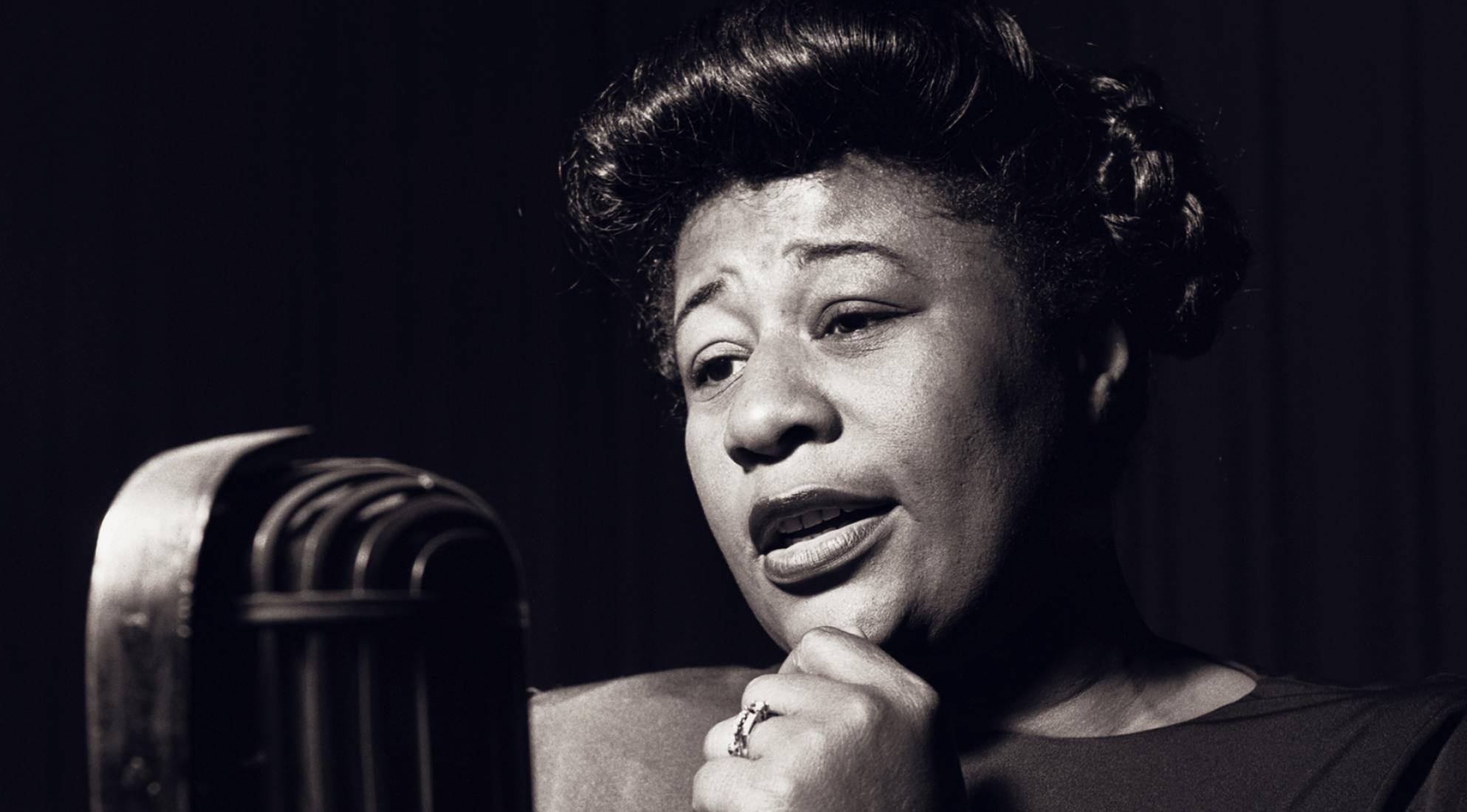 Ella Fitzgerald, la voz eterna del jazz a 22 años de su partida