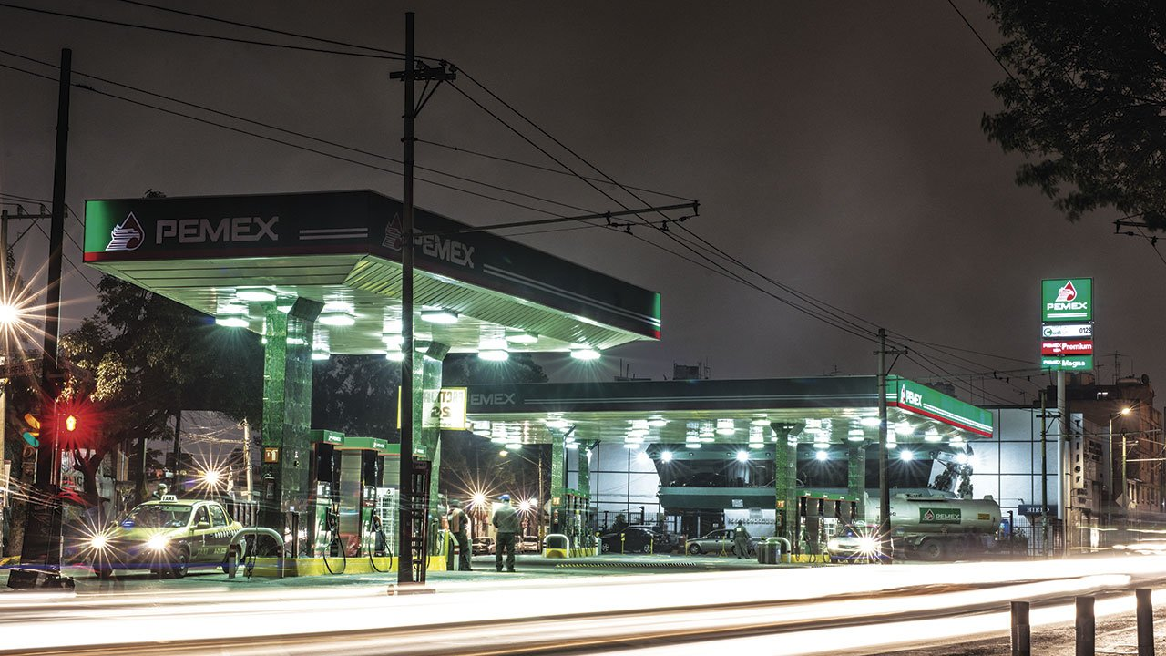 Las ventas de gasolina de Pemex se hundieron 70% durante abril