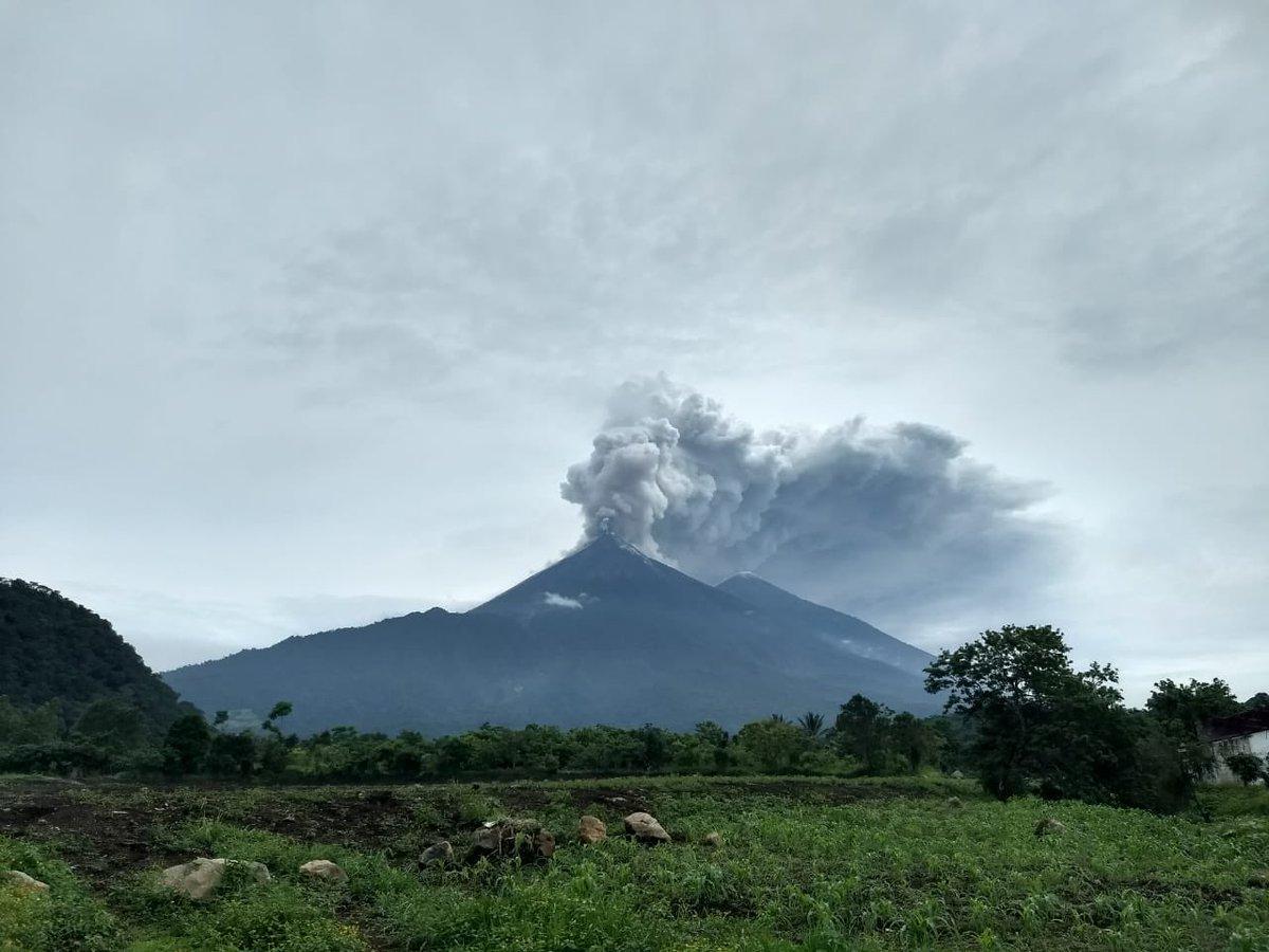 Erupción de volcán en Guatemala deja 72 muertos, hasta el momento