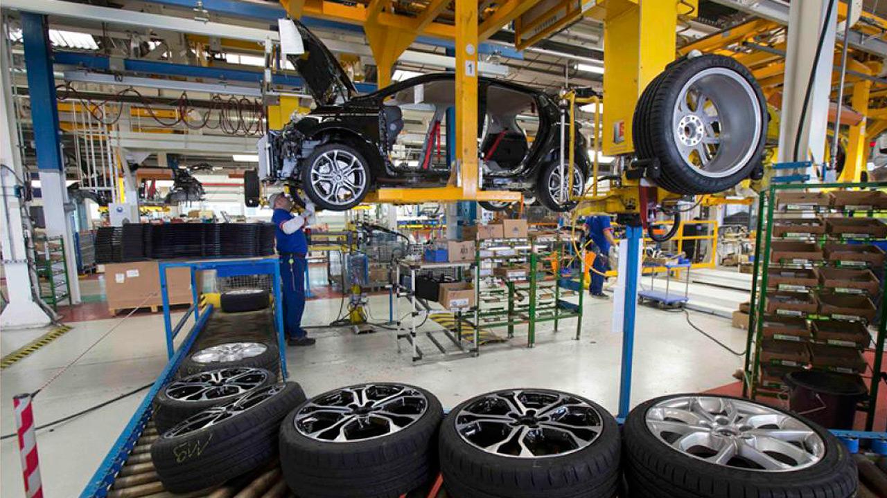 Casi listo estudio sobre aranceles a autos importados desde UE: Trump