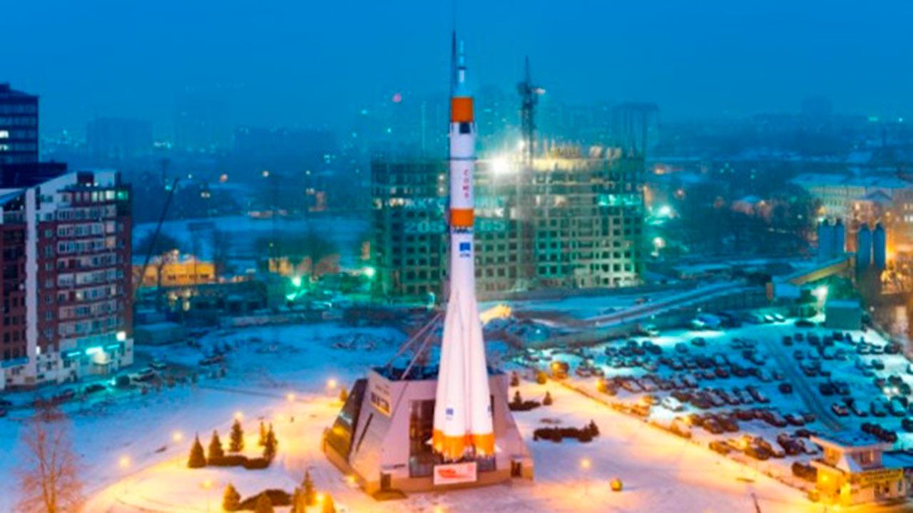 Evacuan tres centros comerciales en Rusia por amenaza de bomba