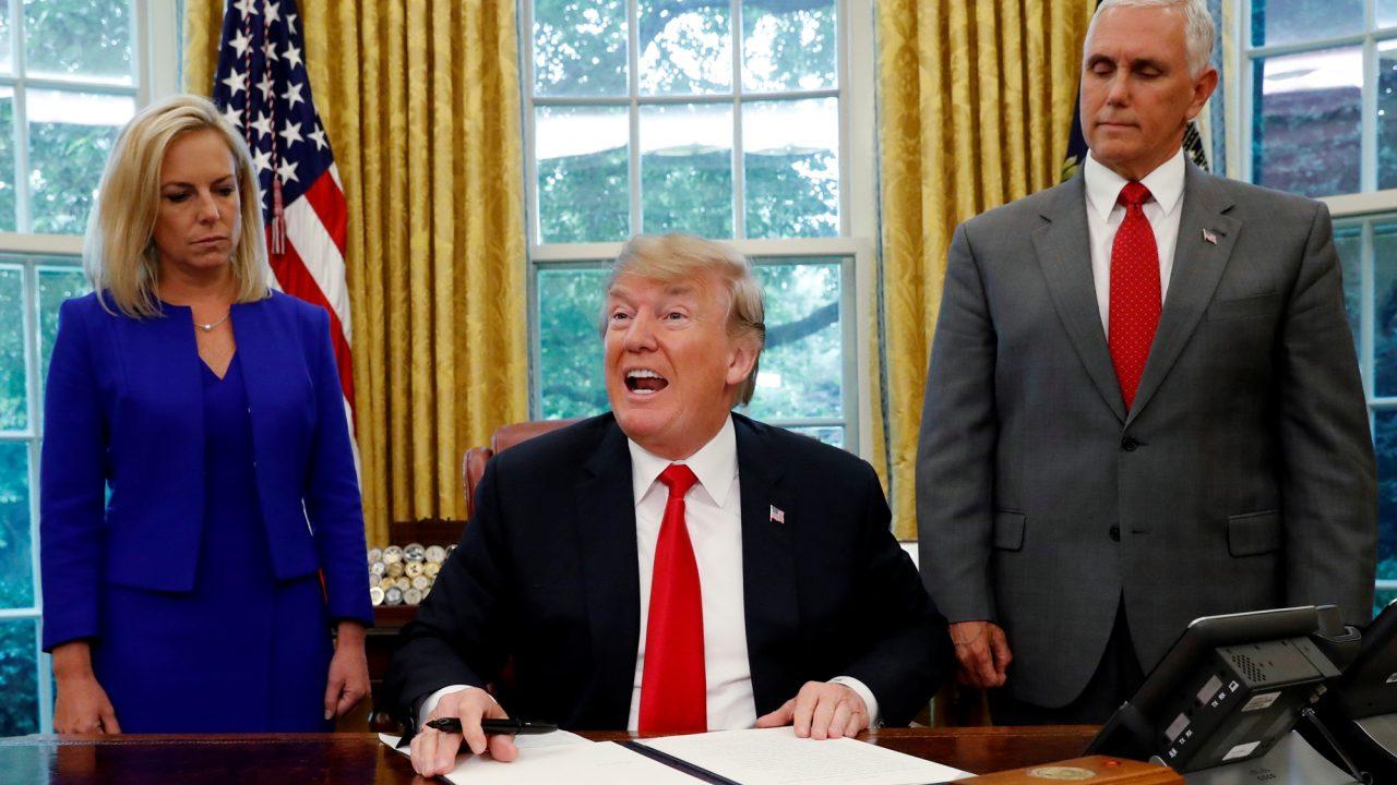 Trump podría cancelar acuerdo con Reino Unido por su salida de la UE