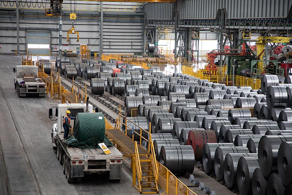 México frena exportaciones de acero a EU por aranceles de Trump