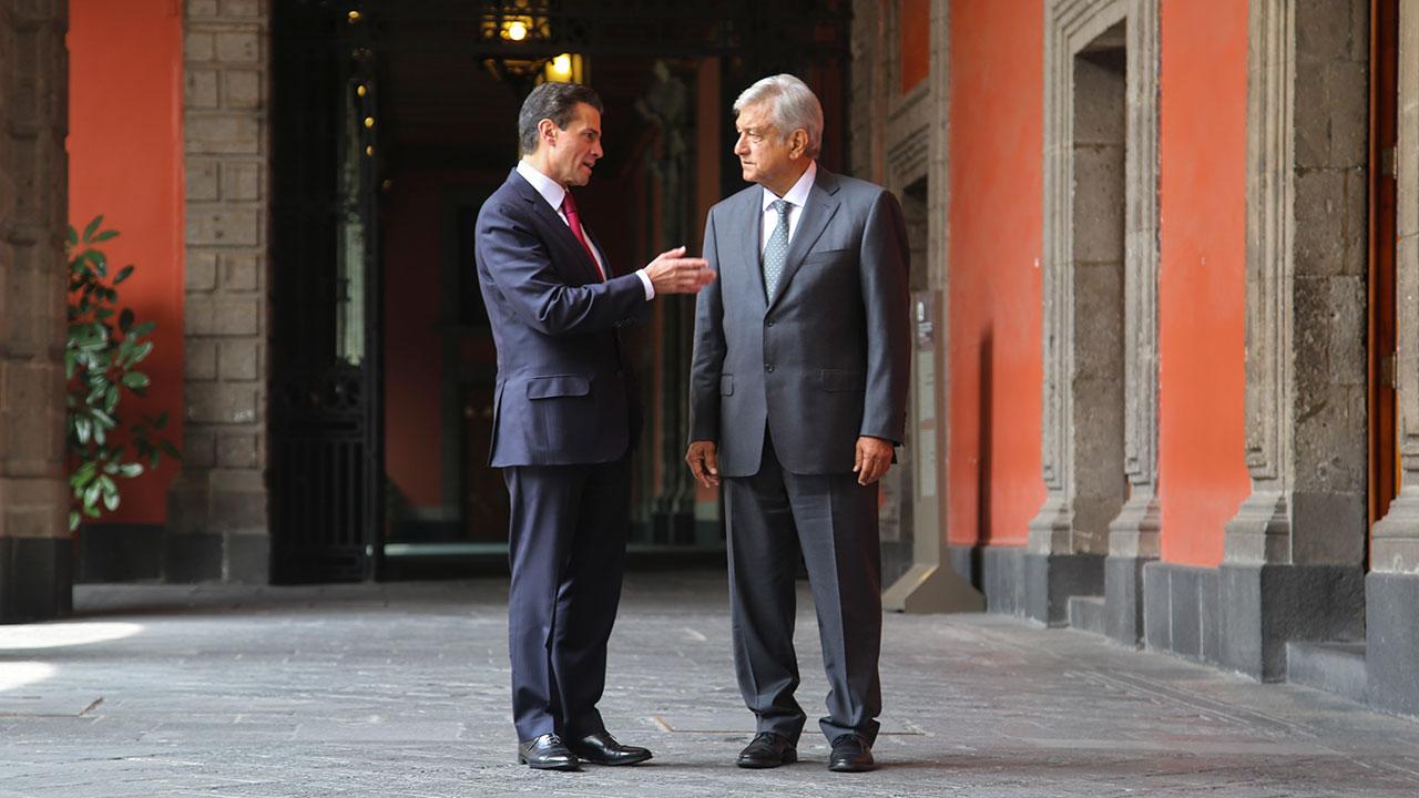 Se va a cancelar la reforma educativa, dice AMLO ante Peña Nieto
