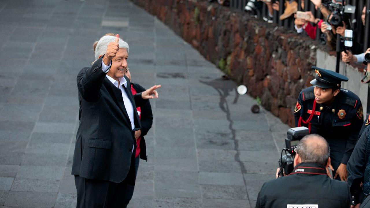 Encuestas de salida dan victoria a López Obrador
