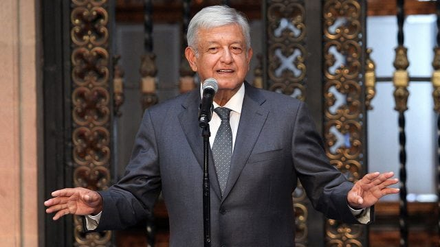 Andrés Manuel López Obrador, ofreció una conferencia de prensa en Palacio Nacional, posterior a su reunión con el presidente de México, Enrique Peña Nieto. Foto: Isaías Hernández/Notimex.