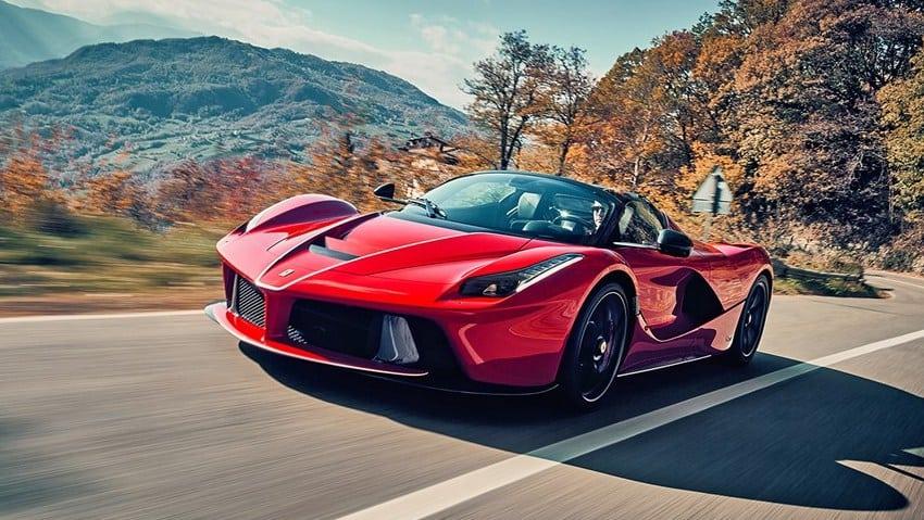 Estos son los autos de lujo que Cristiano Ronaldo se llevará a Italia