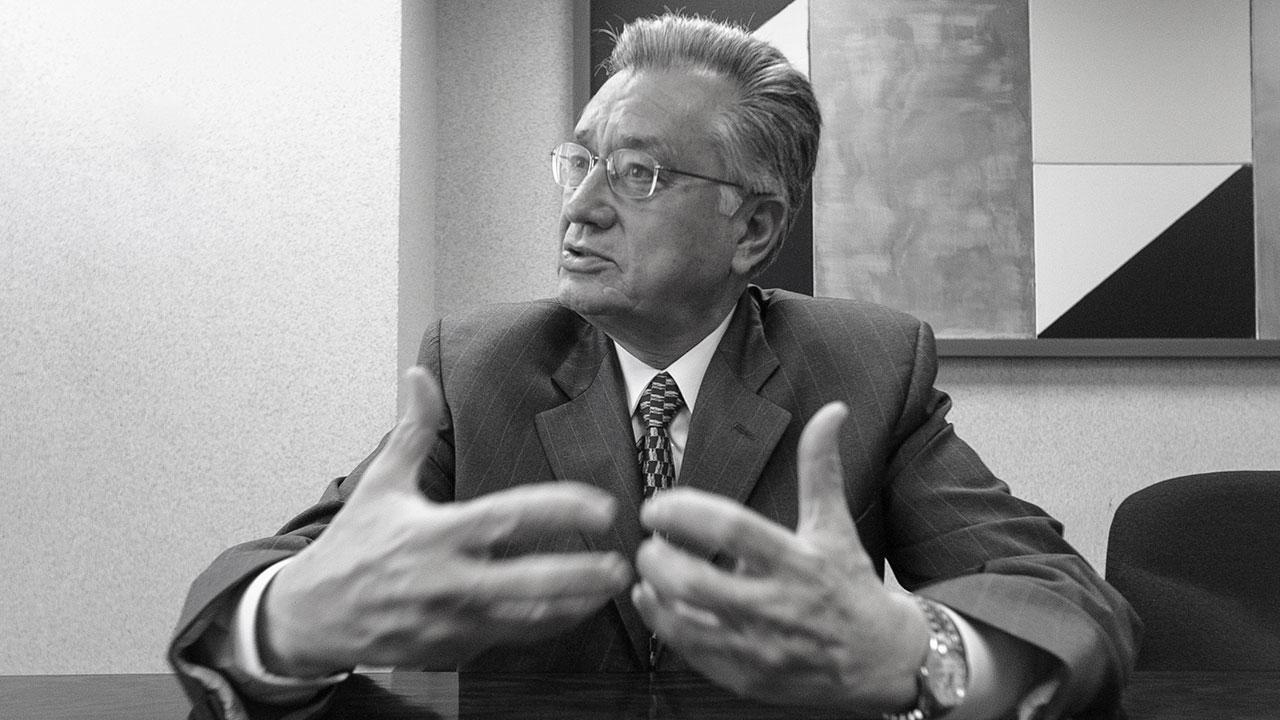 Entregan a Manuel Bartlett la Comisión Federal de Electricidad