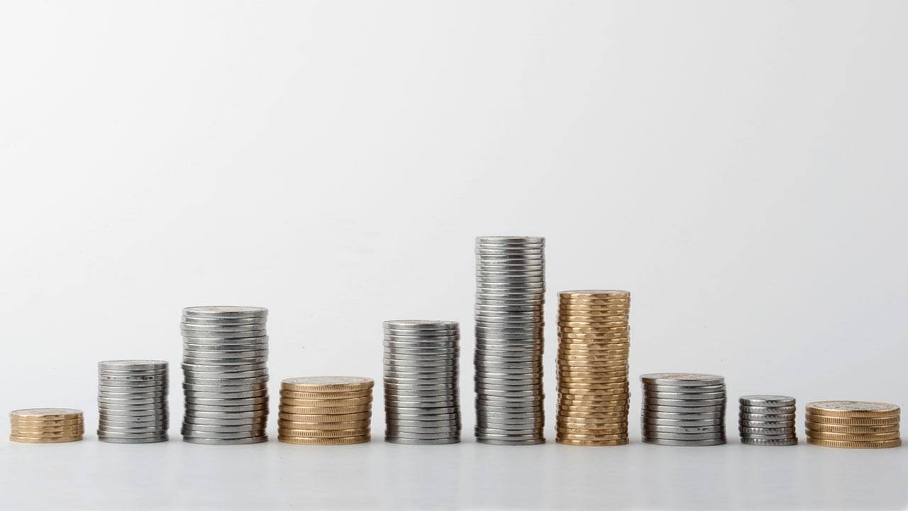 Peso abre a la baja por movimientos en economía global y de EU