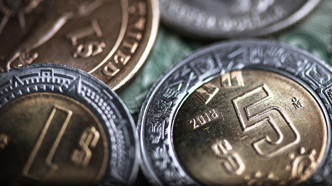 Peso se recupera ante menor inquietud por lira turca