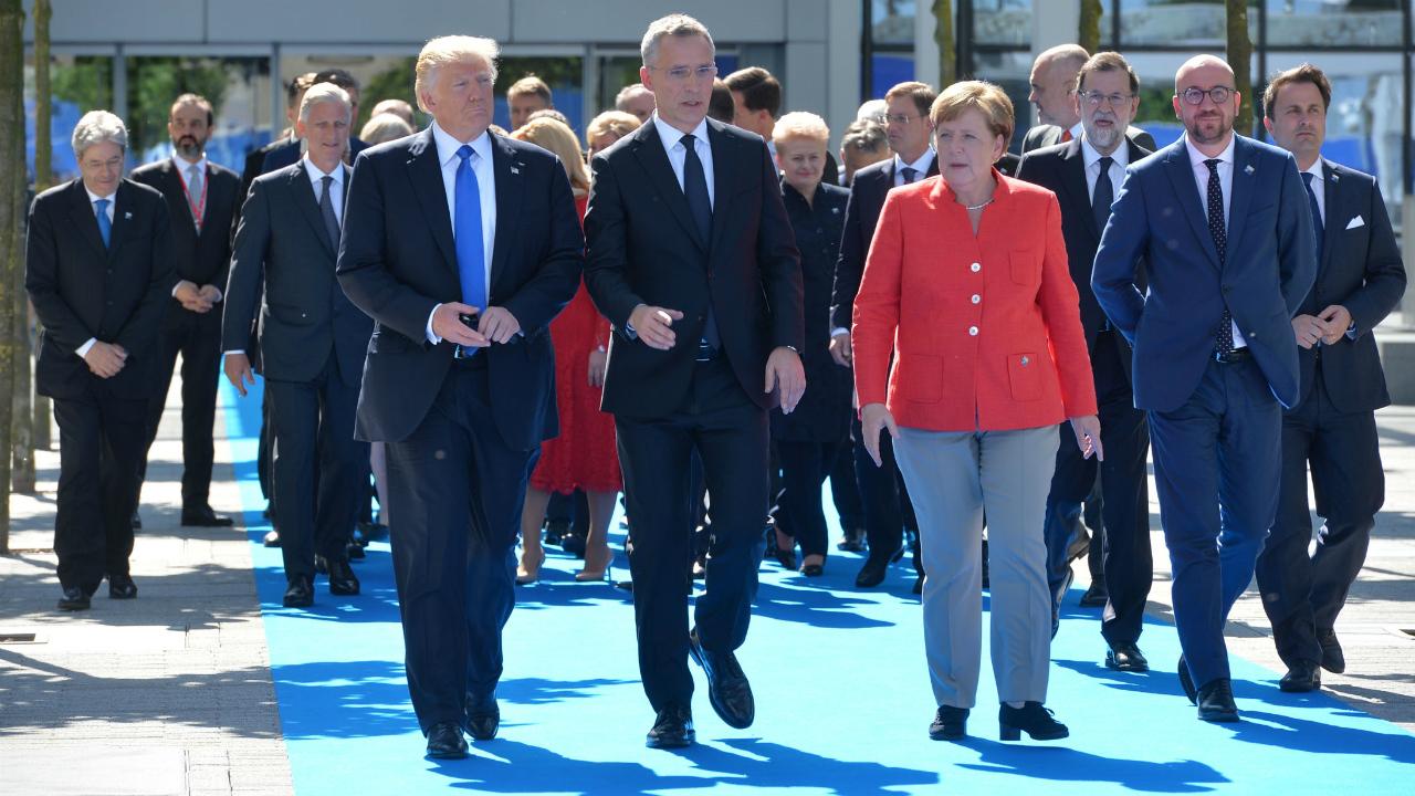 Trump baja el tono en reunión con Merkel tras criticar a Alemania