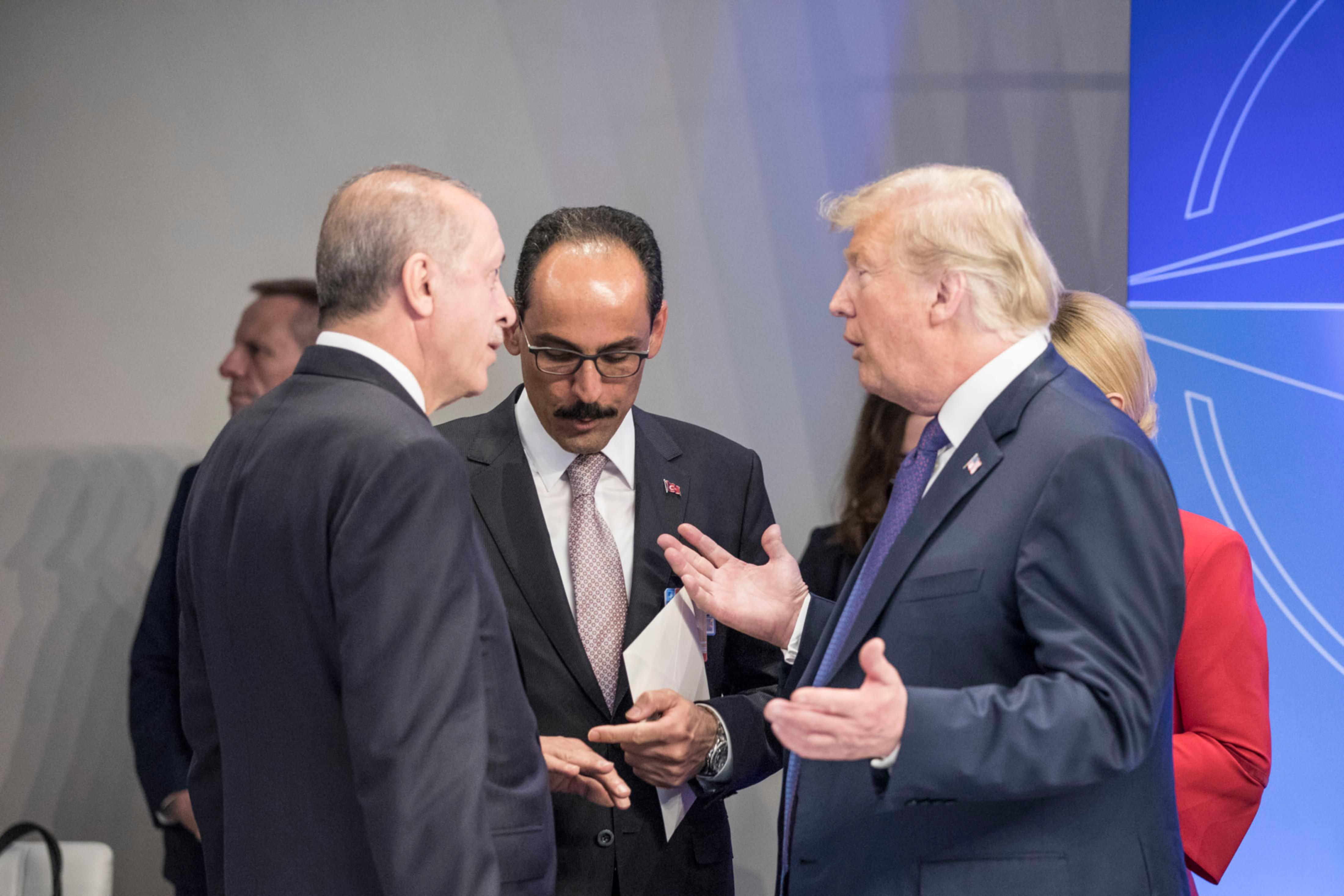 Presidente turco amenaza a EU con boicot a productos electrónicos