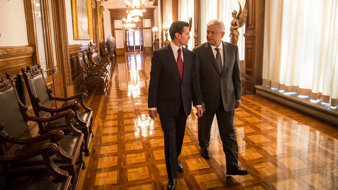 El 'amistoso' e histórico encuentro entre Peña Nieto y López Obrador