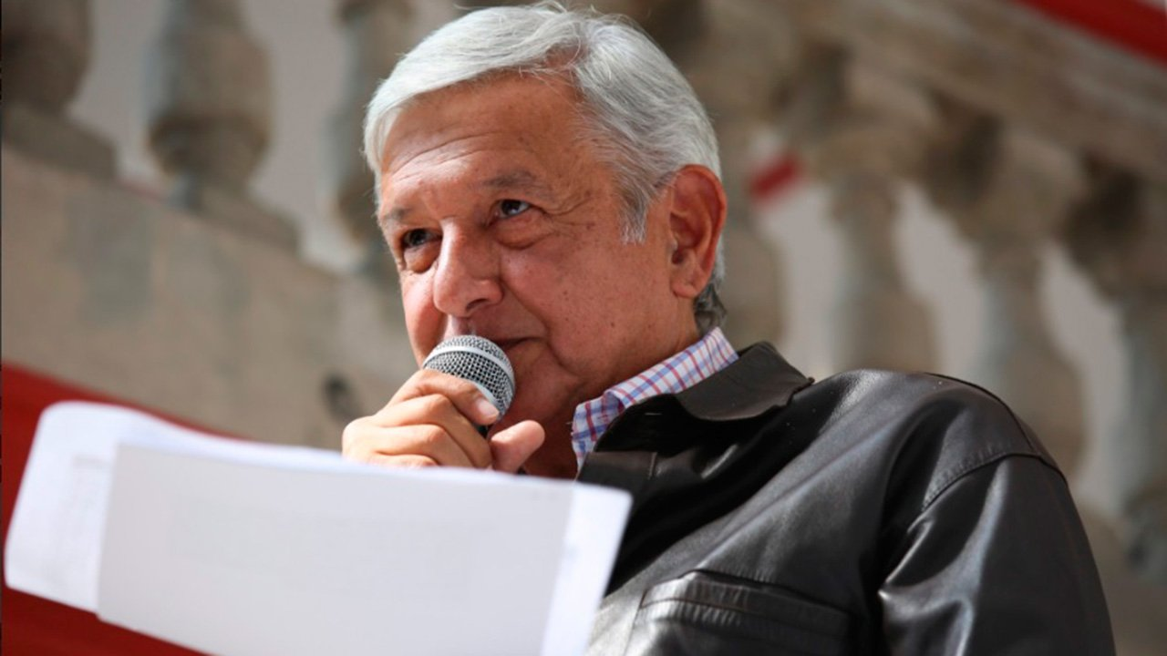 Presidenta de Banco Santander y López Obrador sostienen encuentro
