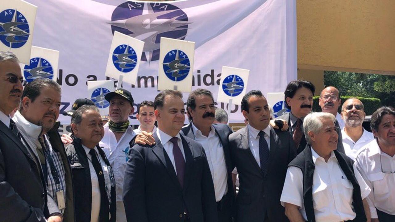 Tribunal niega amparos a Gastón Azcárraga por delitos con Mexicana