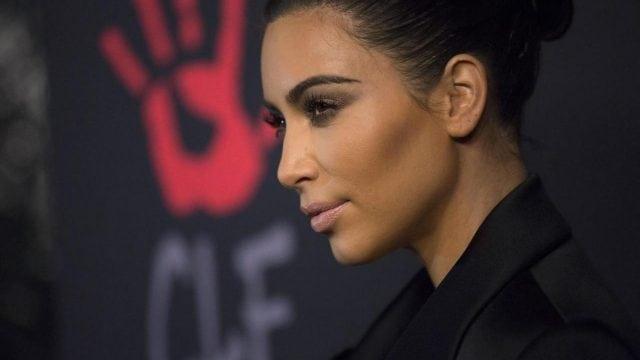 Kim Kardashian-maquillaje-cosméticos-