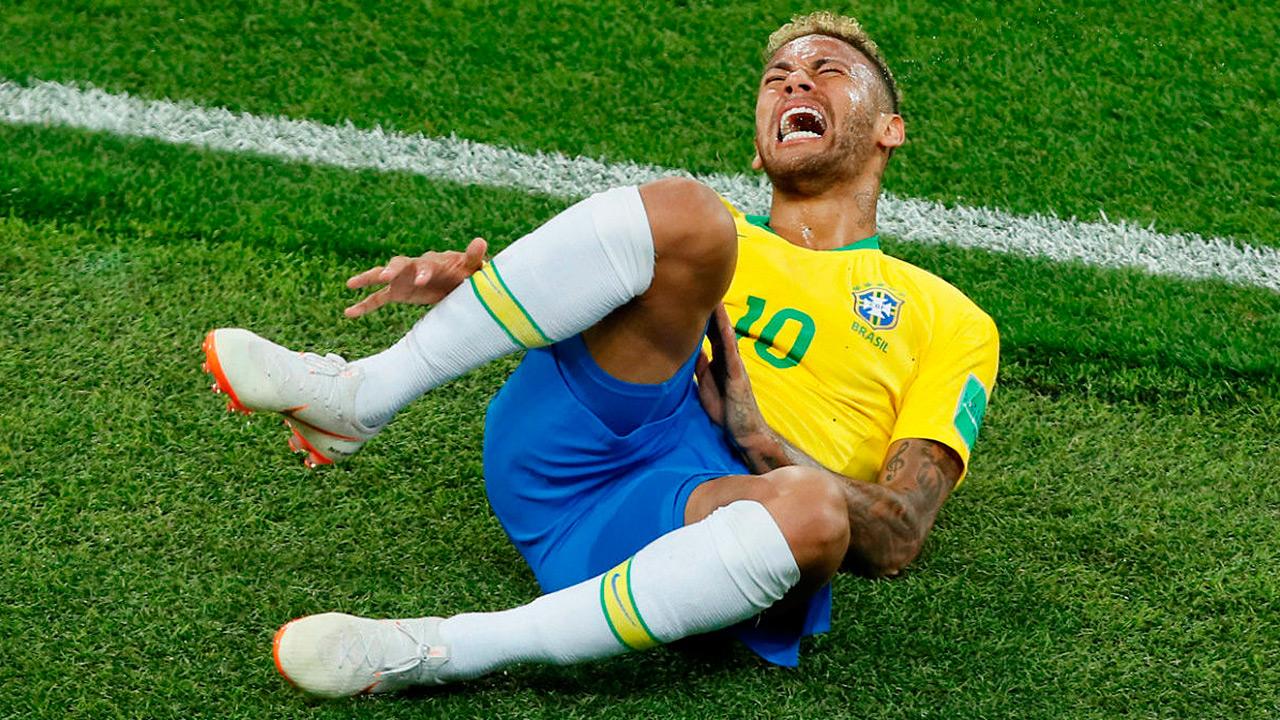 Exageraciones de Neymar costaron 14 minutos a rivales de Brasil