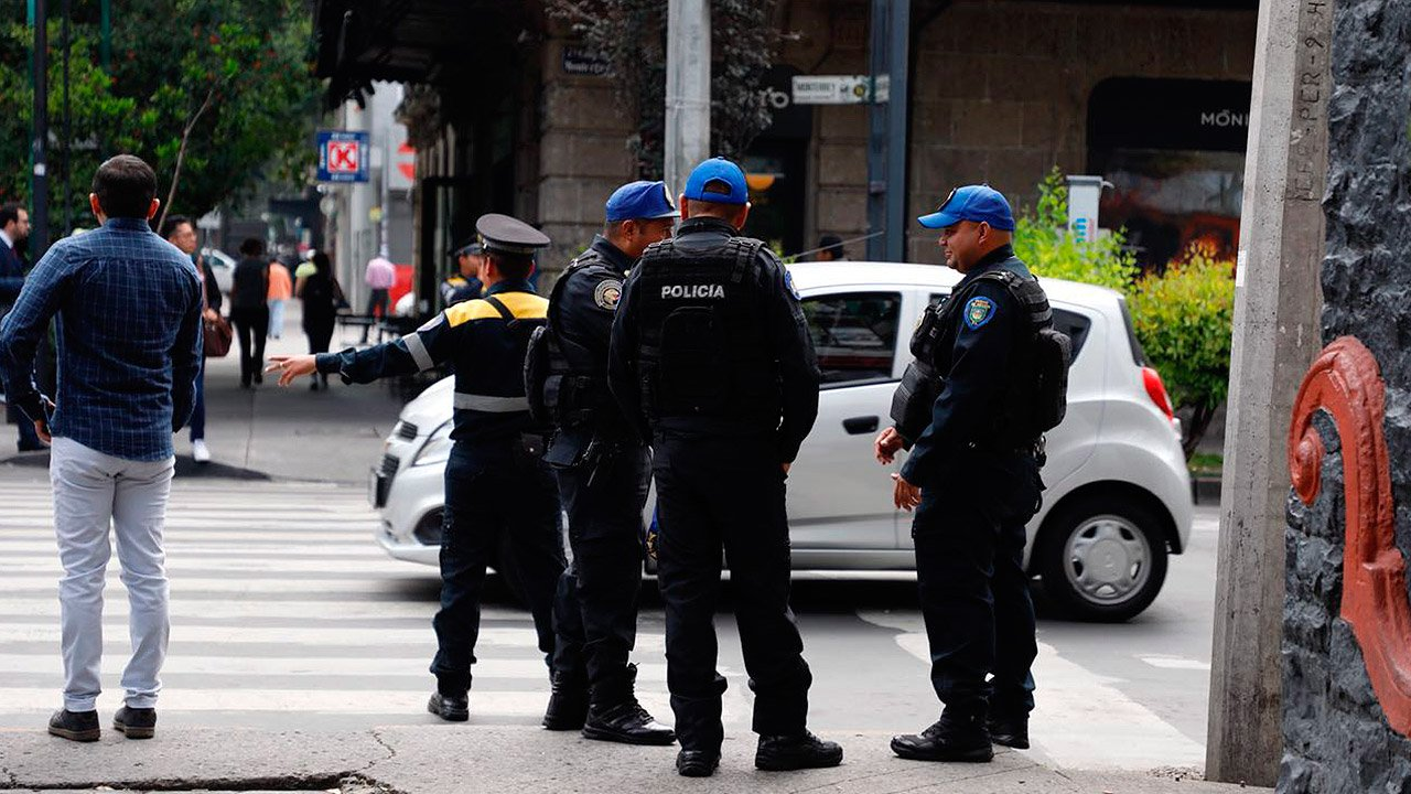 Claudia Sheinbaum anuncia incremento salarial a policías