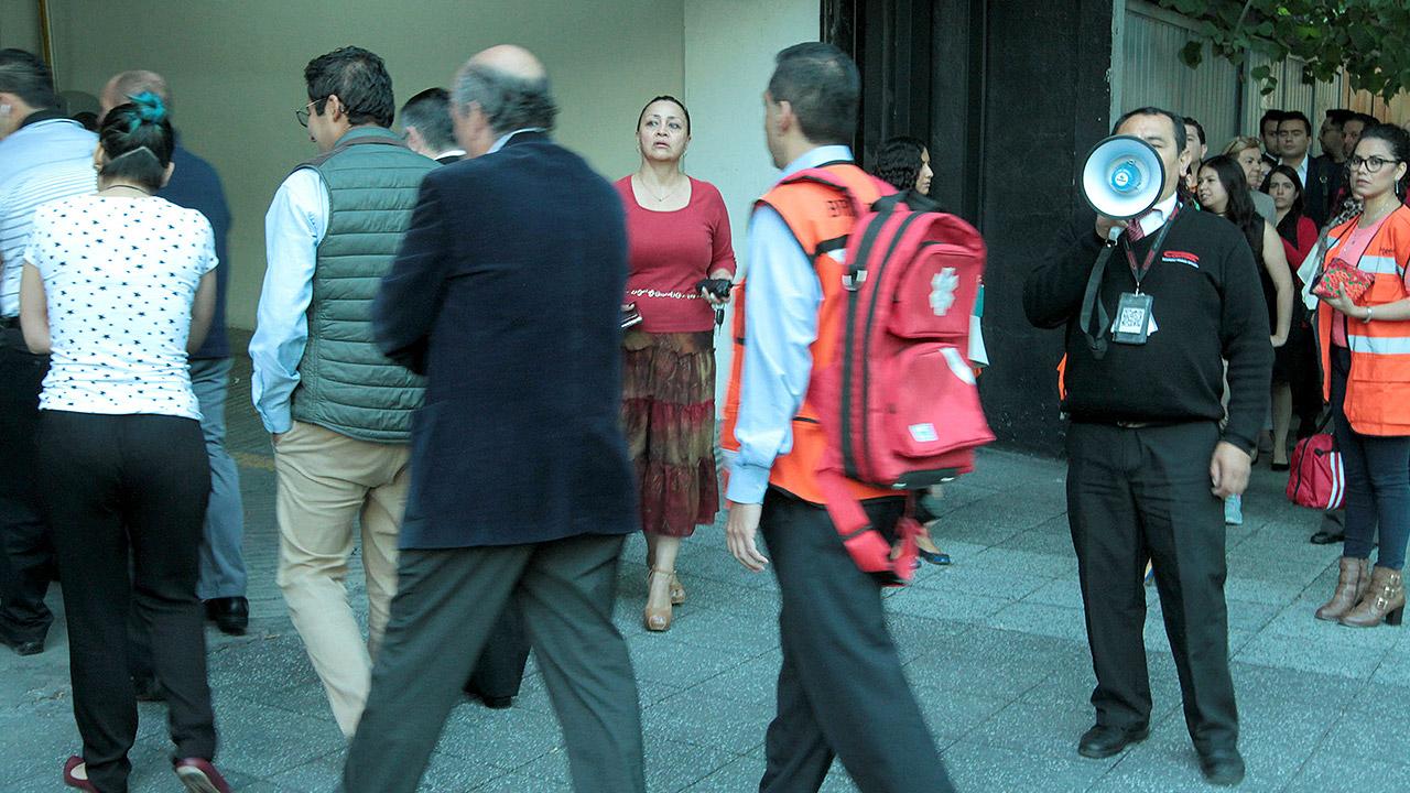 Nerviosismo, reclamos y molestia: el saldo en la CDMX tras el sismo