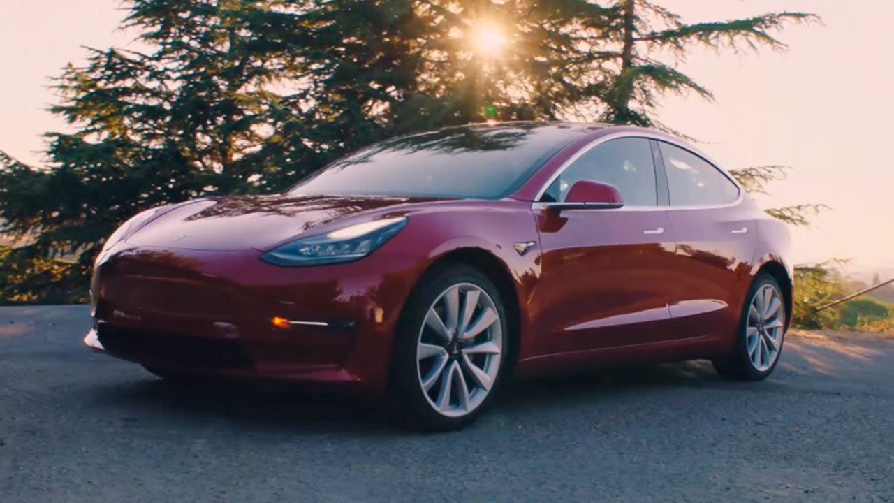 Ventas de Tesla en China se desploman 70% interanual