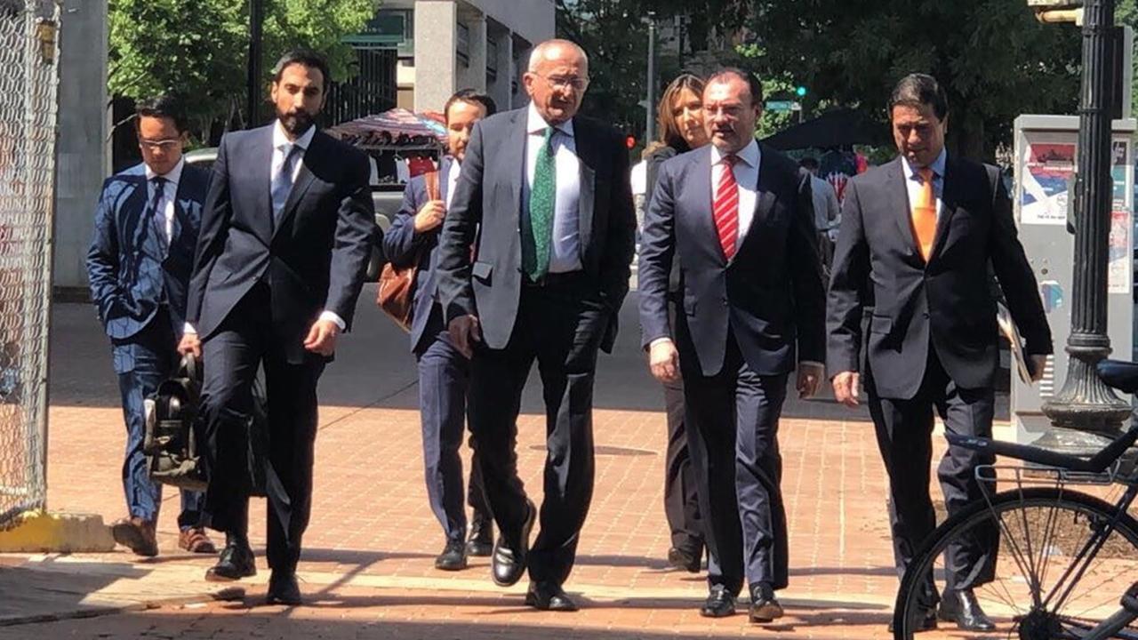EU y México extienden al fin de semana las negociaciones para el TLCAN