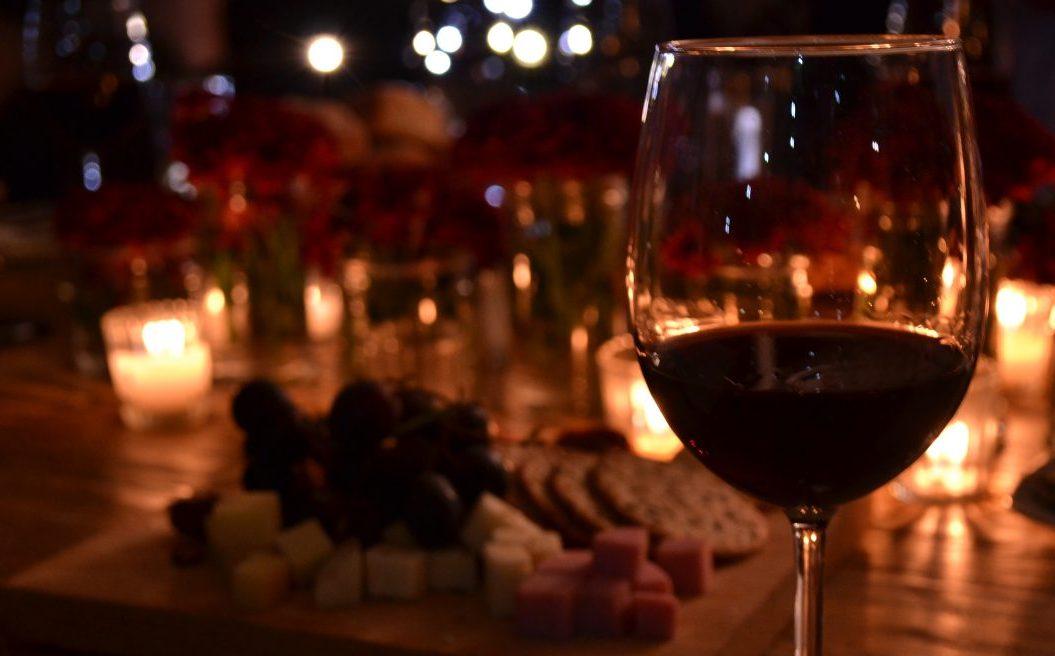 Sólo para amantes del vino: La 'Bullipedia' de Ferran Adrià ya está disponible