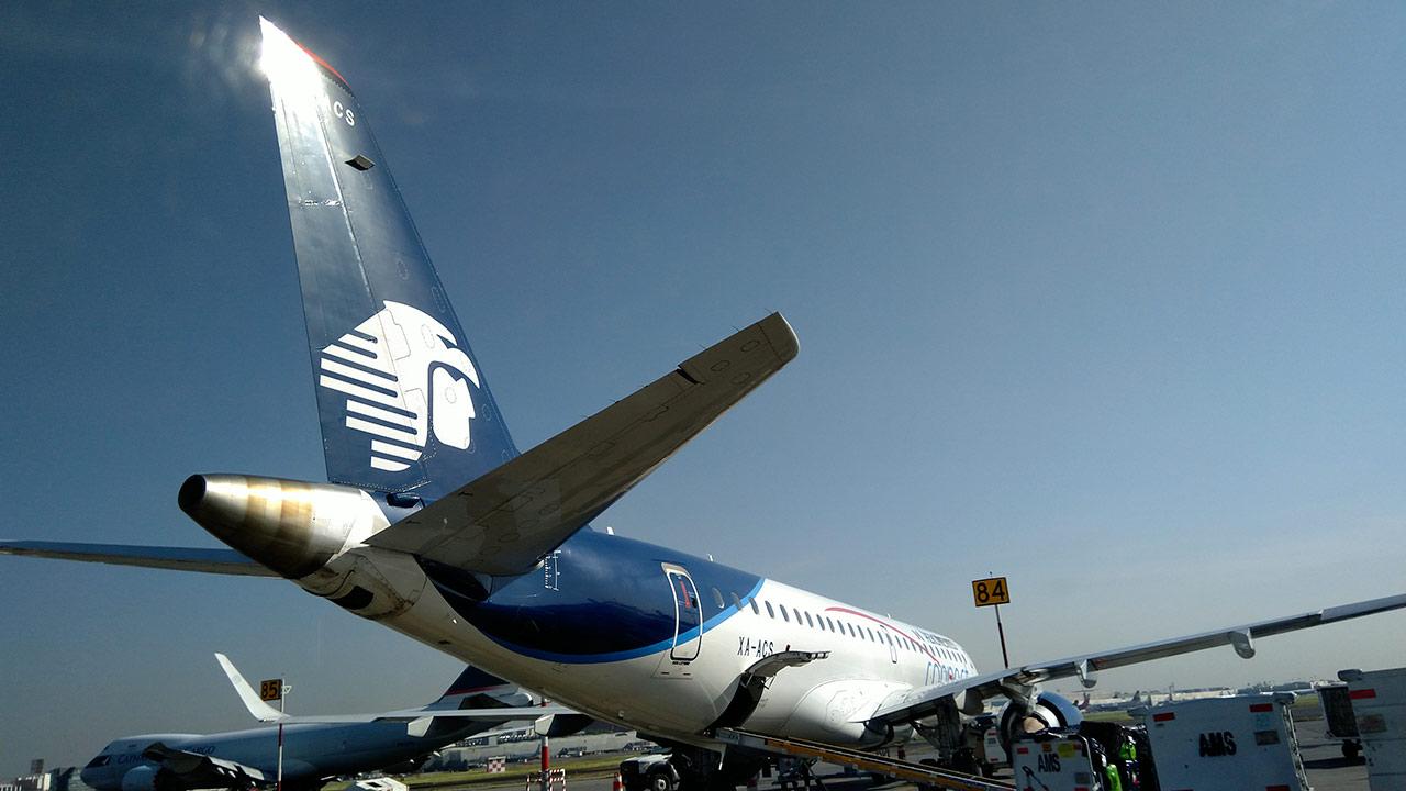 Aeroméxico desciende su vuelo en la BMV ante 'entorno complicado'