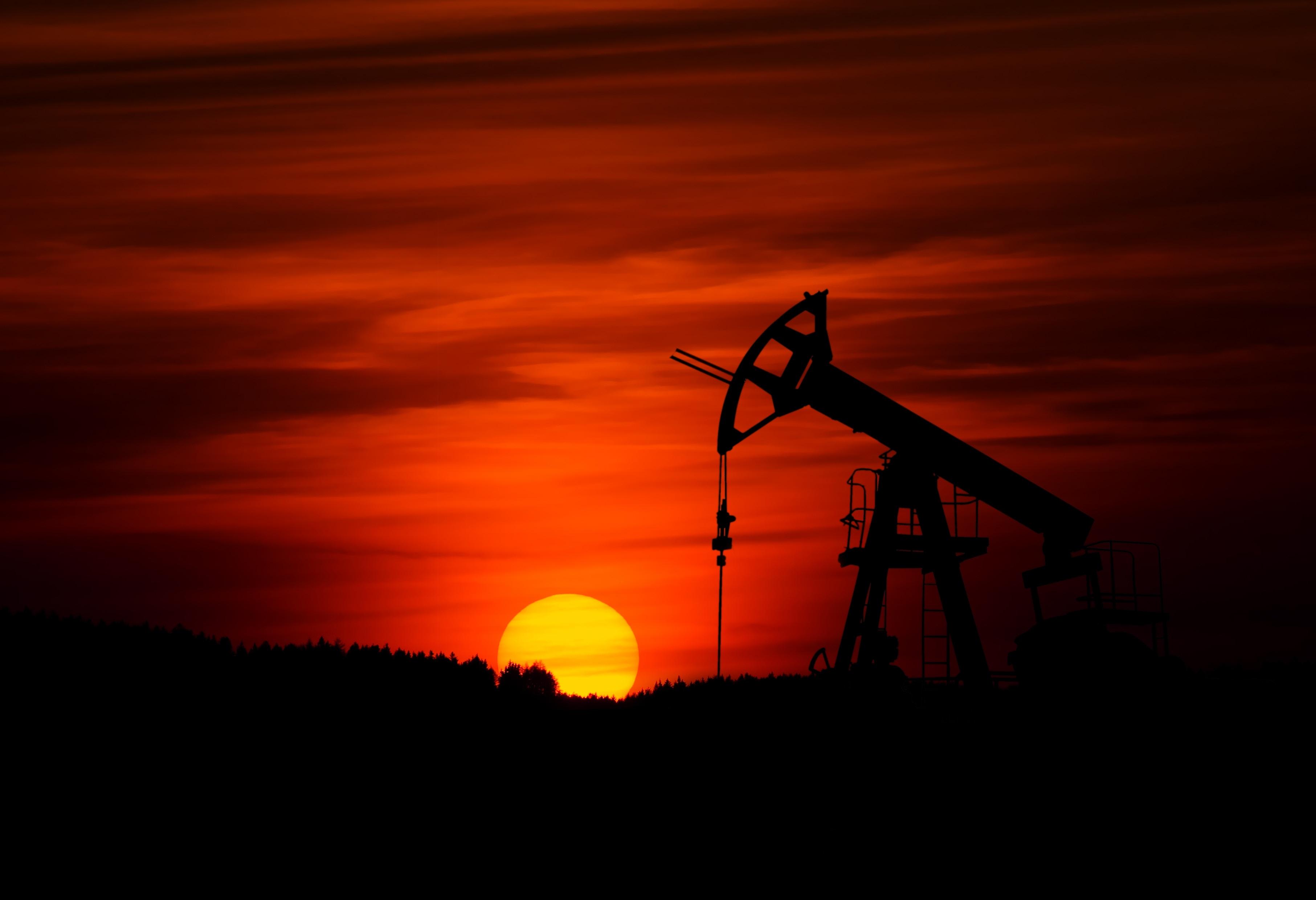 Precio del Brent se estabiliza ante temor de desaceleración global