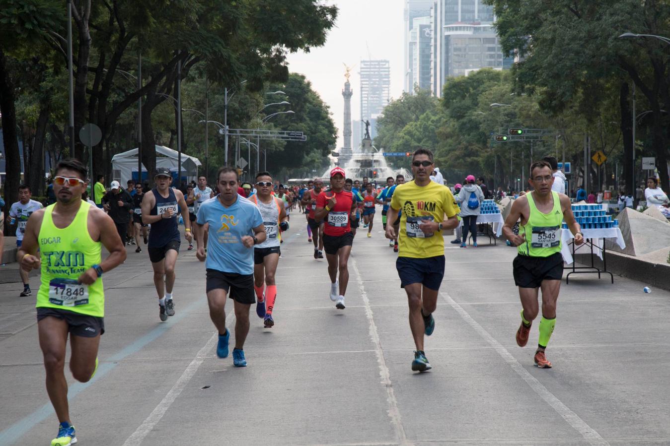 Keniano Titus Ekiru conquista el maratón de la Ciudad de México
