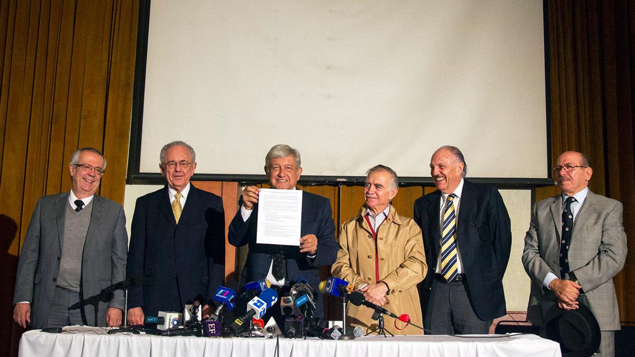El pueblo decidirá si continúa construcción del NAICM: López Obrador