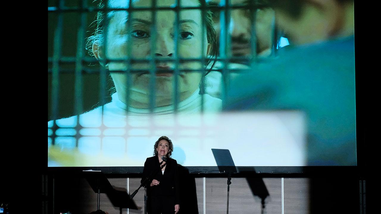 4 de cada 10 culpan a AMLO por libertad de Elba Esther: encuesta