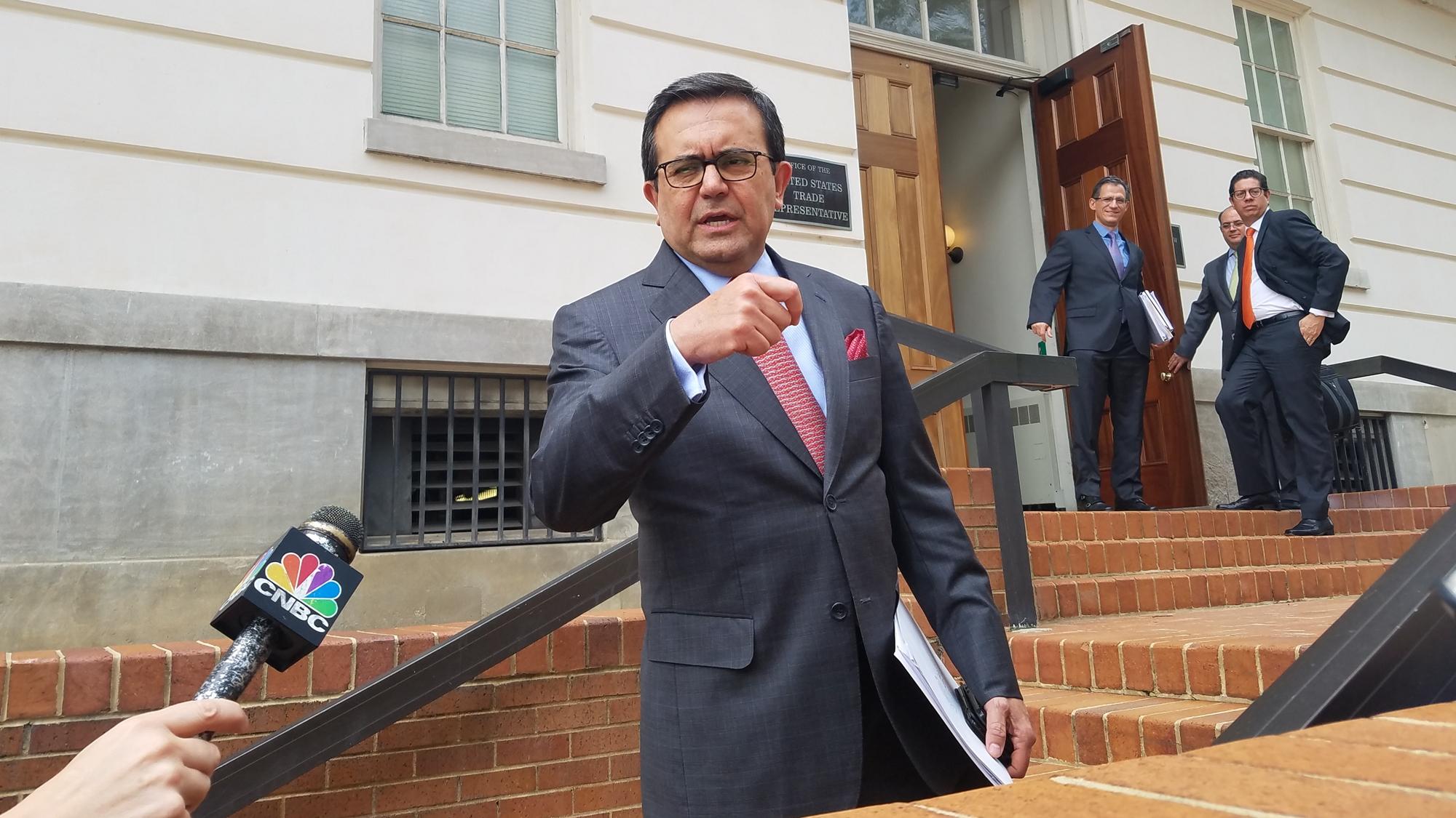 Equipos de México y EU reanudan negociaciones por el TLCAN